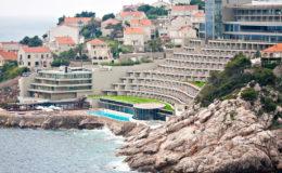 Big tourist luxury hotel accomodation at sea